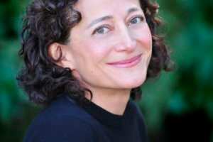 The Last Days of Café Leila by Donia Bijan + Author Interview [in Bloom]