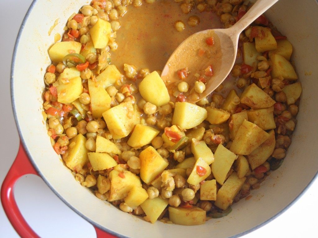 One of Shulie's favortie dishes she learned from her mom: chana masala with aloo